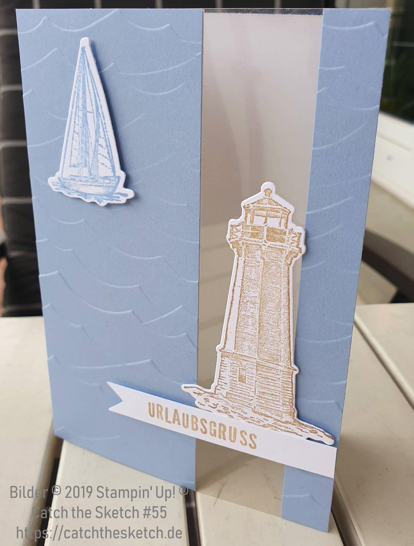 Grußkarte in Rauchblau mit Leuchtturm und Segelboot.